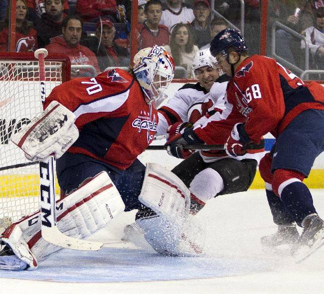 Holtby makes 25 saves, Capitals beat Devils