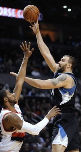Matthews helps Blazers top Timberwolves 103-95