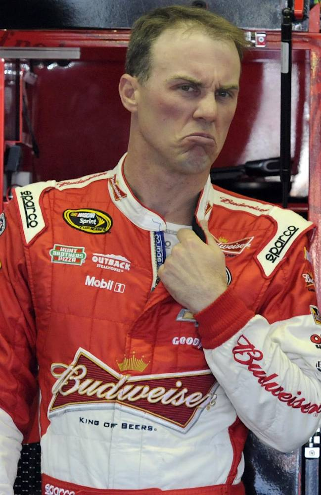 Harvick wins 1st Darlington pole