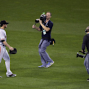 Royals clobber Giants 7-2 to even World Series (Yahoo Sports)
