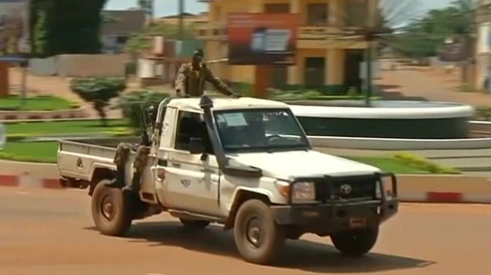 Gunmen tour streets of Central African Republic