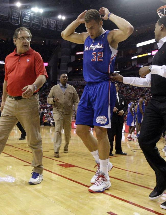 Blake Griffin out vs. Wolves with back injury