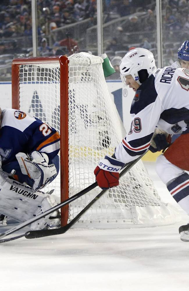Carcillo's goal gives Rangers cold win over Isles