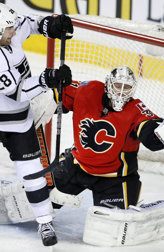 Monahan lifts Flames past Kings, 4-3 in SO