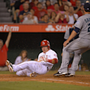 Wilson outdules Saunders, Angels edge Mariners 1-0 (Yahoo! Sports)