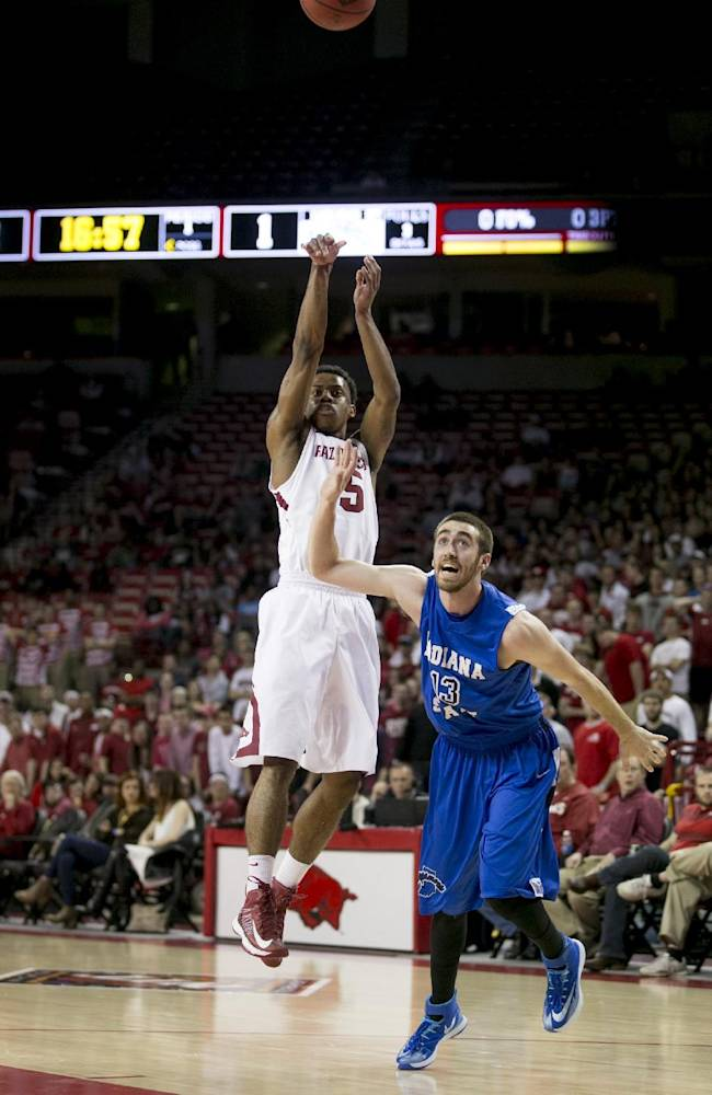 Bell lifts Arkansas past Indiana State 91-71