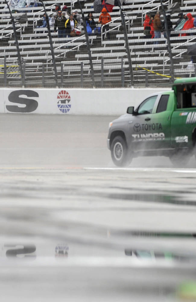 Rain postpones NASCAR race at Texas Motor Speedway