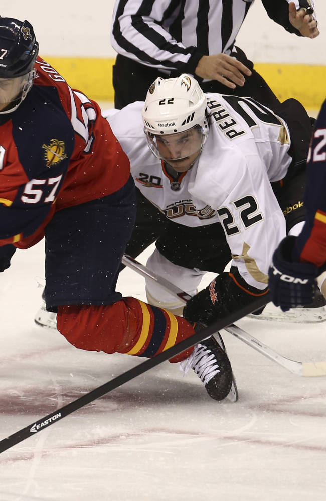 Panthers snap 9-game skid and surprise Ducks, 3-2