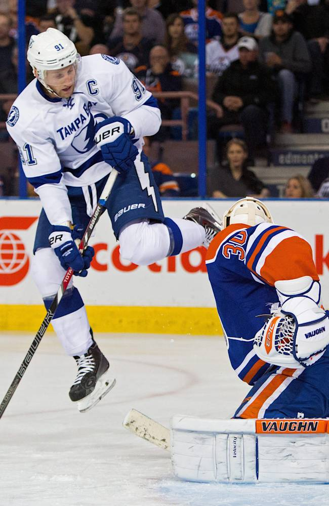 Nugent-Hopkins' goal gives Oilers 1st win
