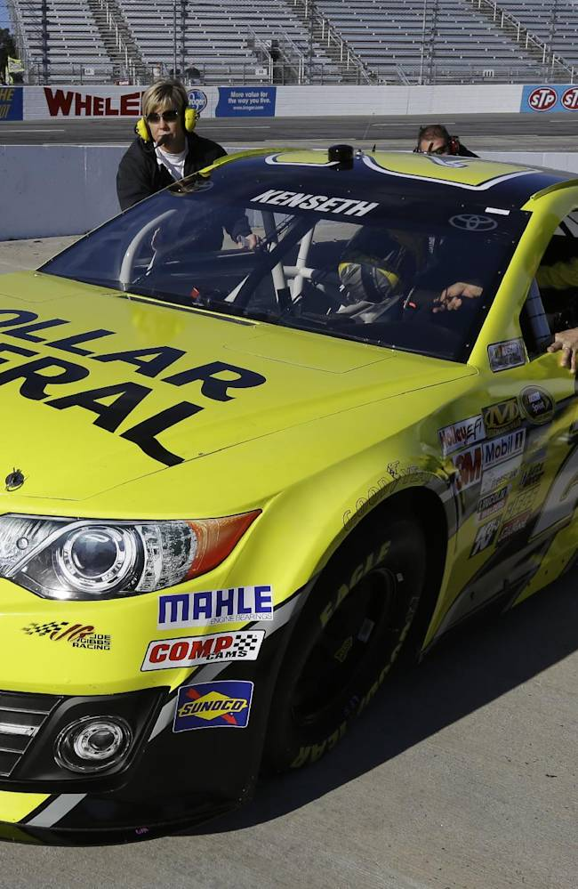 Kenseth chasing Johnson, history at Martinsville