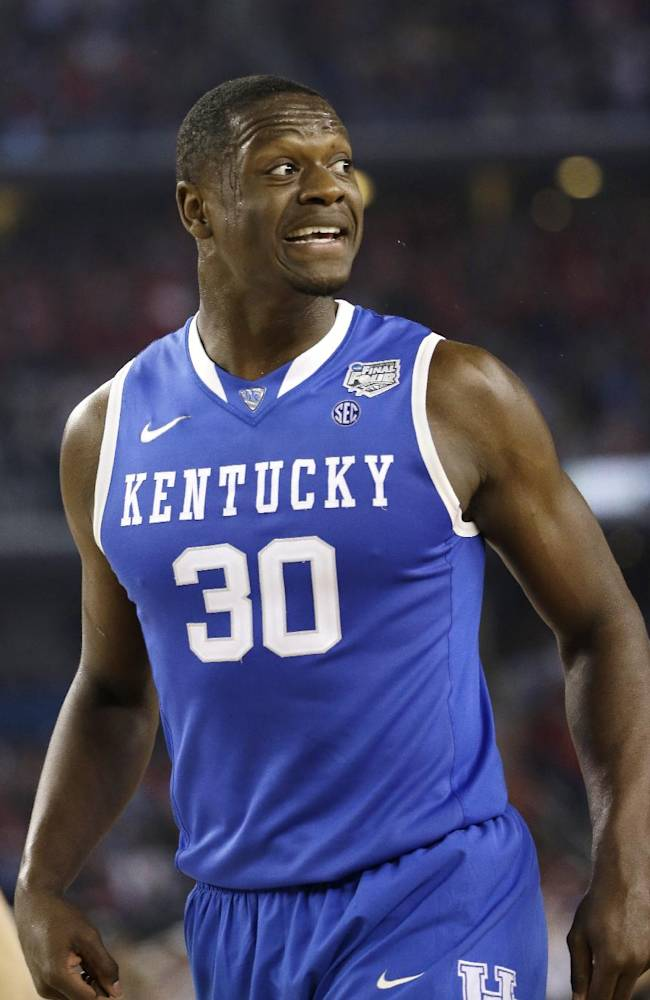 Kentucky 74-73 over Wisconsin, to play for title