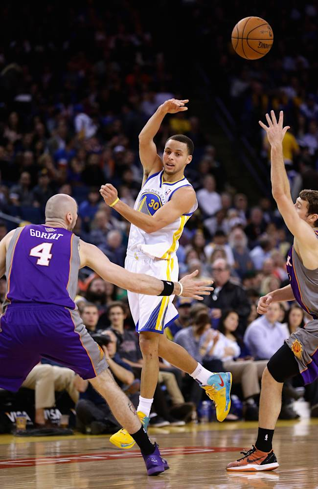 Phoenix Suns v Golden State Warriors