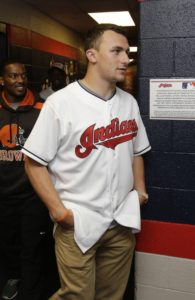 Padres pick Browns QB Johnny Manziel in 28th round