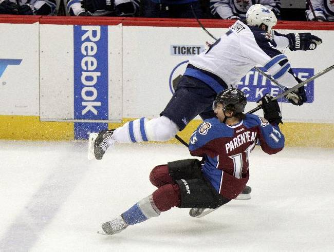 Parenteau out 4 to 6 weeks with right knee injury