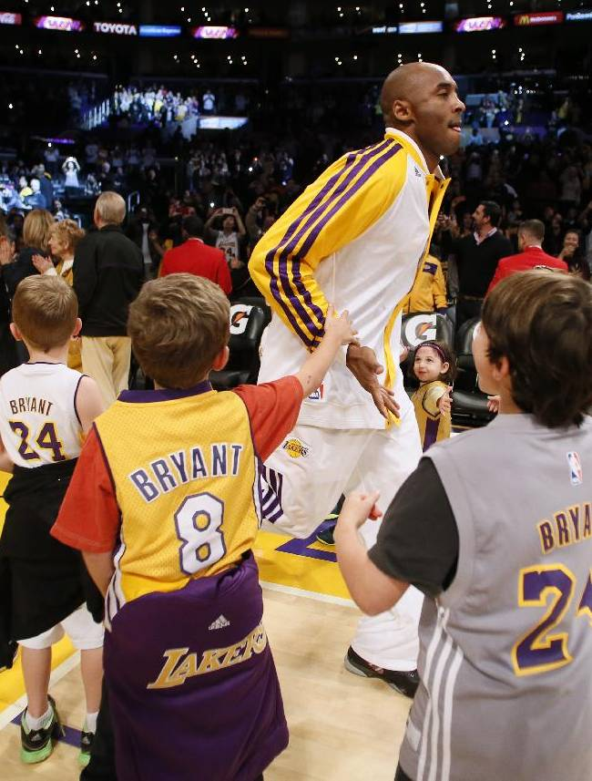 Kobe returns, but Raptors beat Lakers 106-94
