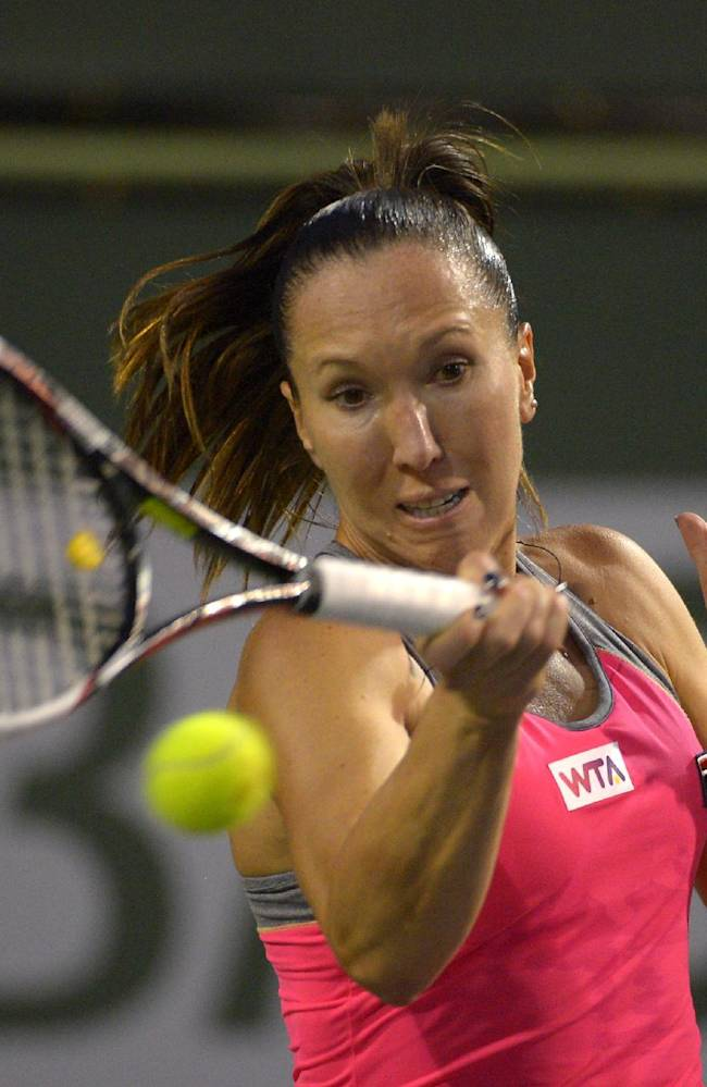 Victoria Azarenka falls in Indian Wells return