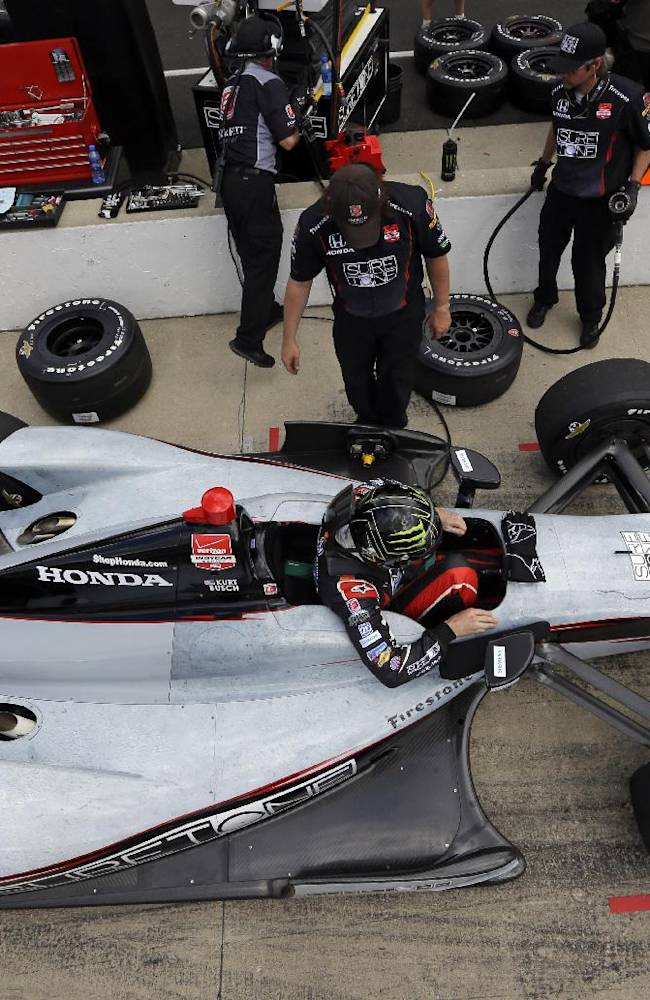 Penske sweeps top 3 spots on slow day at Indy