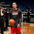 MINNEAPOLIS, MN - MARCH 24: Derrick Rose #1 of the Chicago Bulls warms up before a game against the Minnesota Timberwolves on March 24, 2013 at Target Center in Minneapolis, Minnesota. (Photo by David Sherman/NBAE via Getty Images)