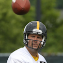 Pittsburgh Steelers quarterback Ben Roethlisberger (7) passes during the NFL football camp on Thursday, June 19, 2014 in Pittsburgh. (AP Photo/Keith Srakocic)