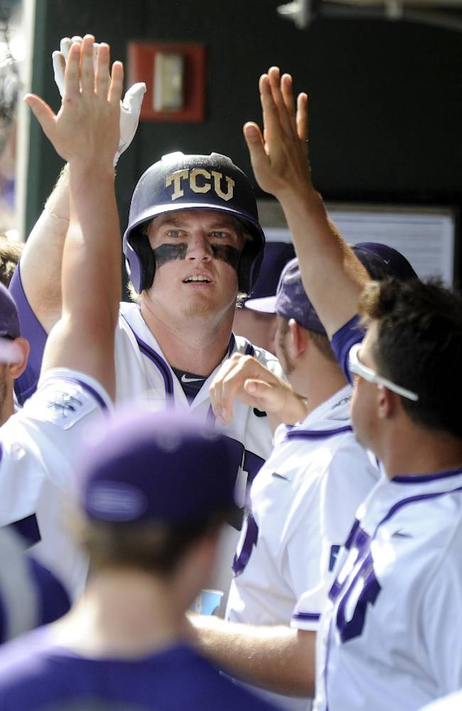 TCU tops Pepperdine to open super regional at home