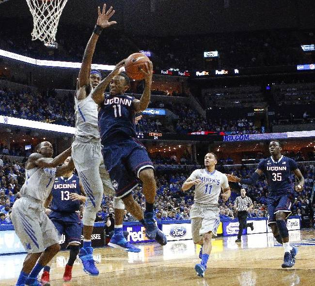 UConn's Boatright puts grief, initials on face