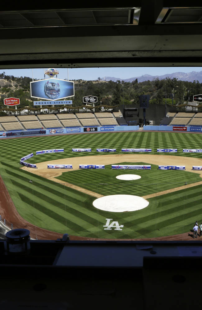 NHL confident in ice plans for Dodger Stadium game