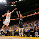 Curry has 25, Warriors snap 2-game skid, eclipse Suns 106-87 The Associated Press