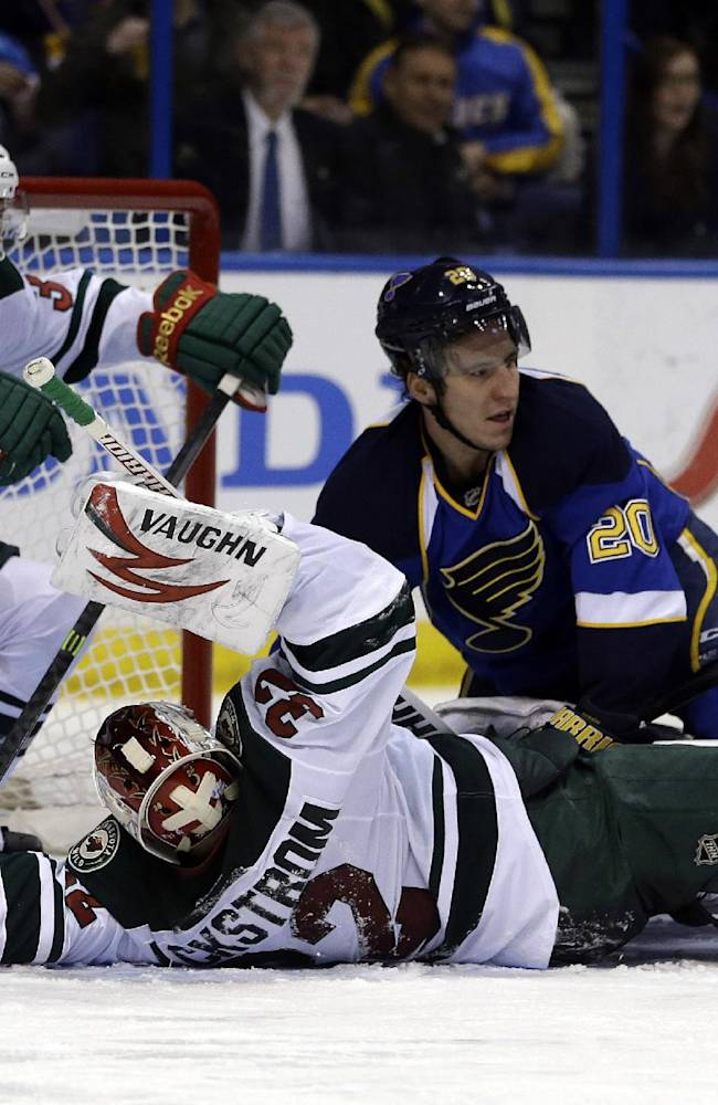 Steen scores 2 in Blues' 3-0 win over Wild