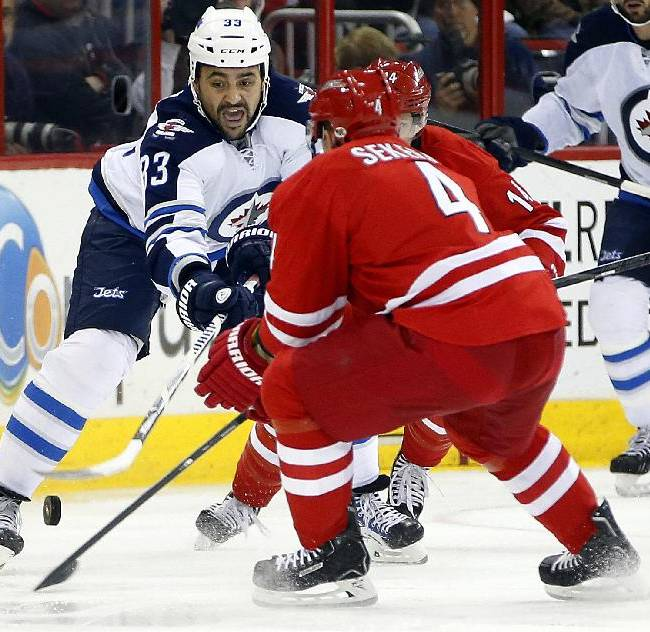 Thorburn lifts Jets to 2-1 win over Hurricanes