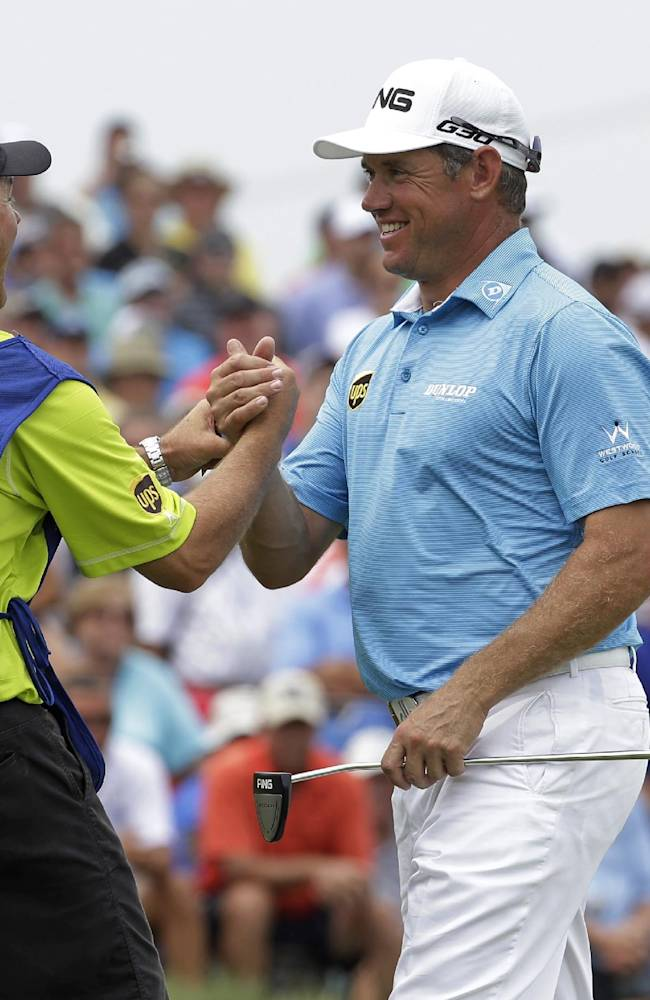 Golf's biggest stars going in opposite directions