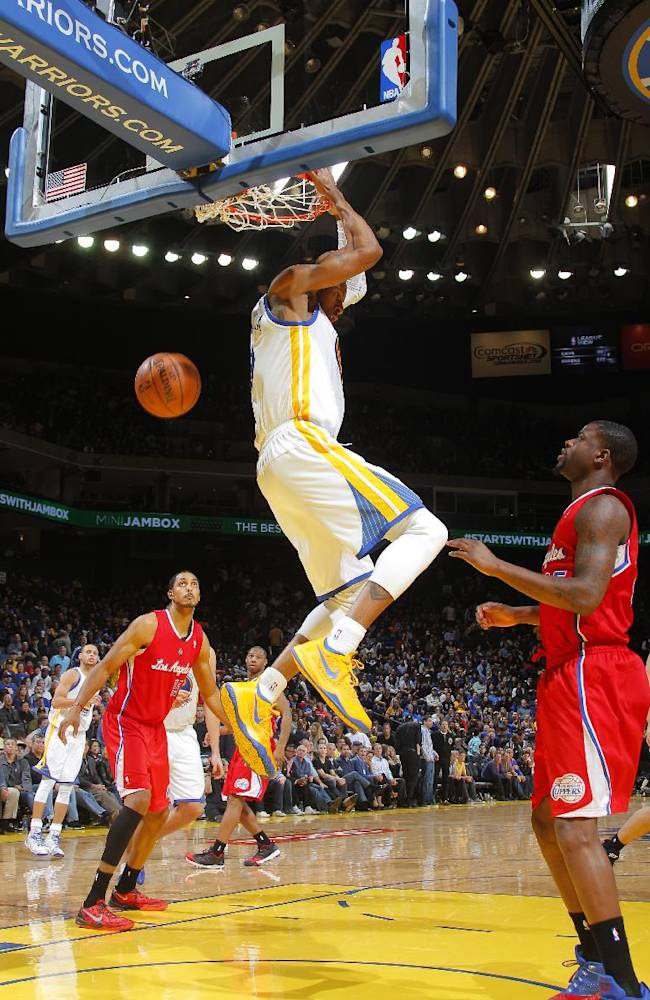 Warriors dominate inside, rout Clippers 111-92