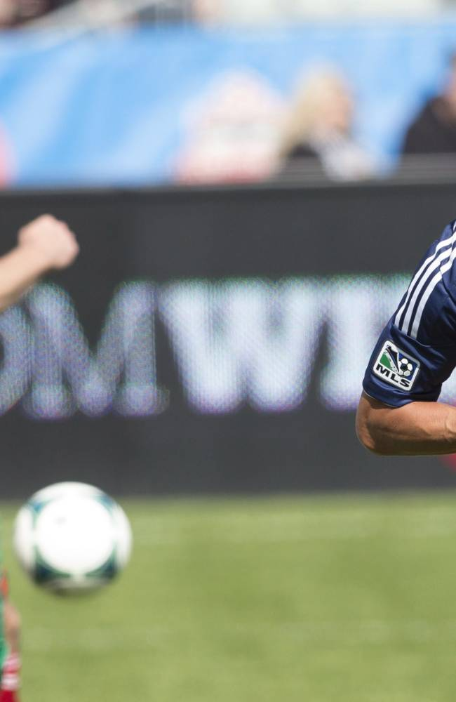 Cahill helps Red Bulls knock off Dynamo 3-0