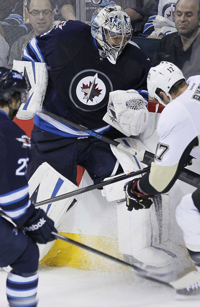 Martin scores on power play, Pens beat Jets 4-2