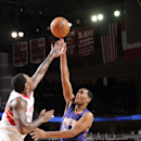 Suns rookie Warren out with broken thumb (Yahoo Sports)