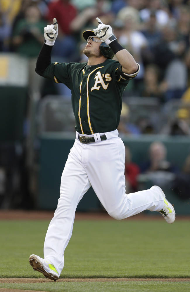 Crisp's single in 8th lifts A's past Red Sox, 4-3
