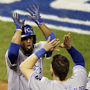 Royals lead Giants 3-2 after 6 innings in Game 3 The Associated Press