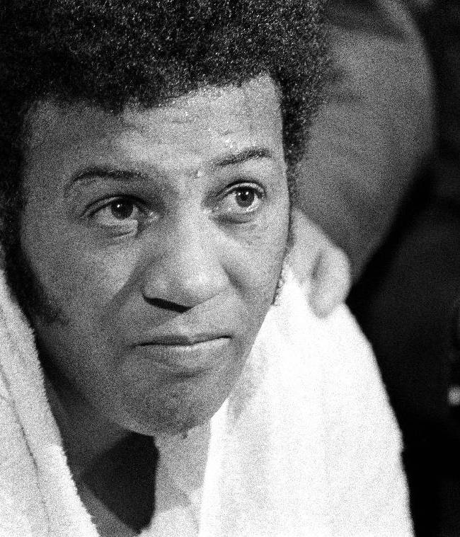 Ex-boxing champion Jimmy Ellis dies at 74