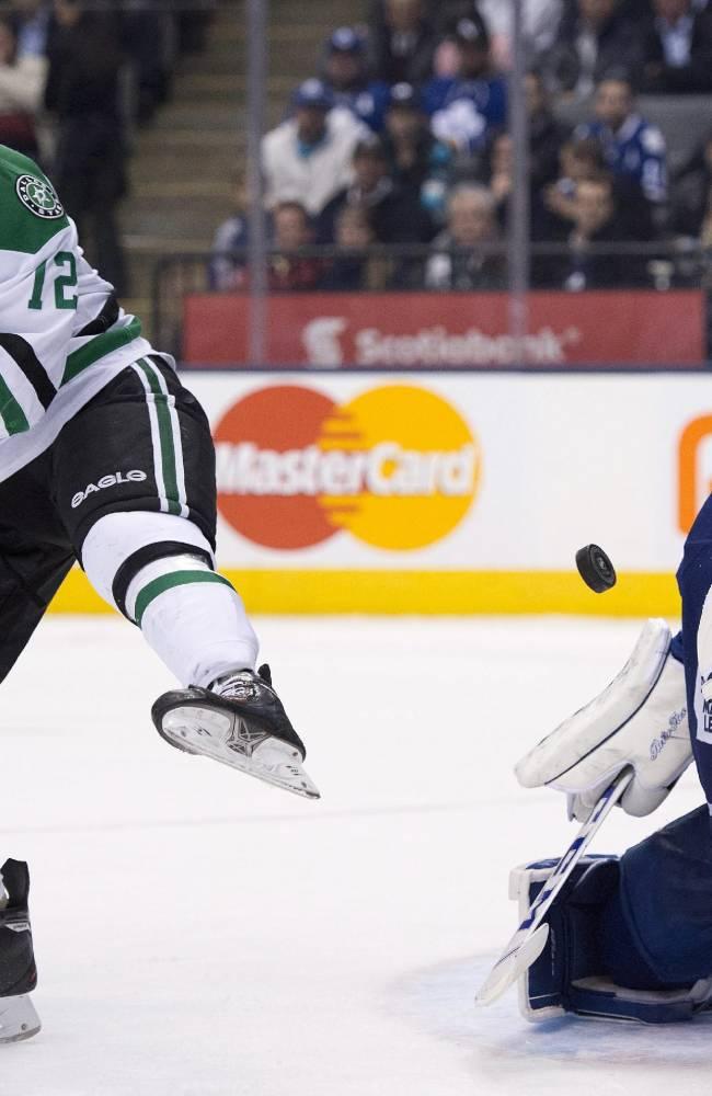 Maple Leafs slip past Stars 3-2 in OT