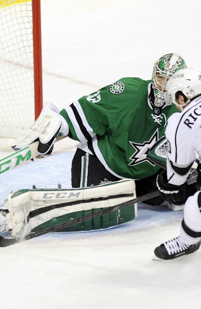 Cole scores 2, leads Stars to 3-2 win over Kings