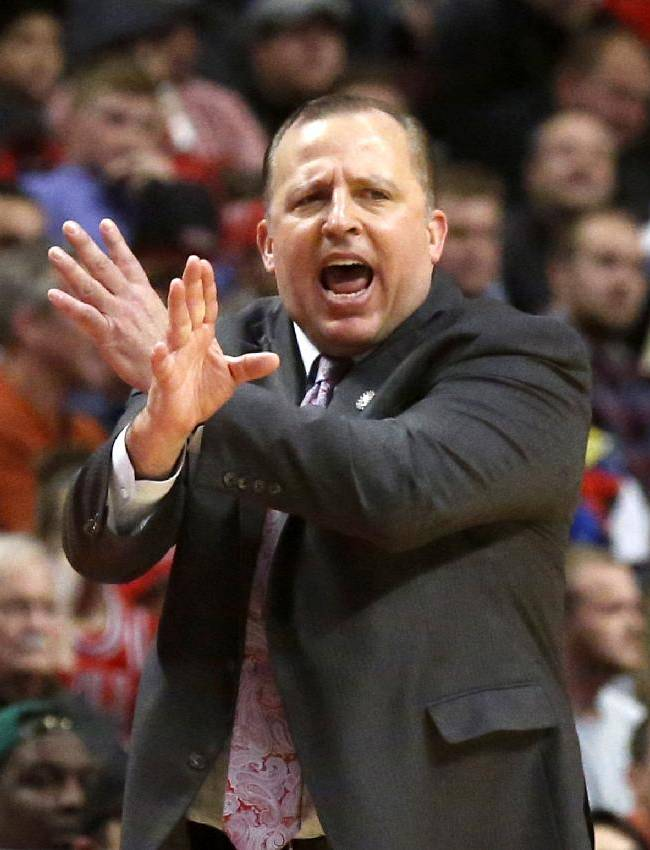 Chicago Bulls head coach Tom Thibodeau calls a play during the second half of an NBA basketball game against the Cleveland Cavaliers Monday, Nov. 11, 2013, in Chicago. The Bulls won 96-81