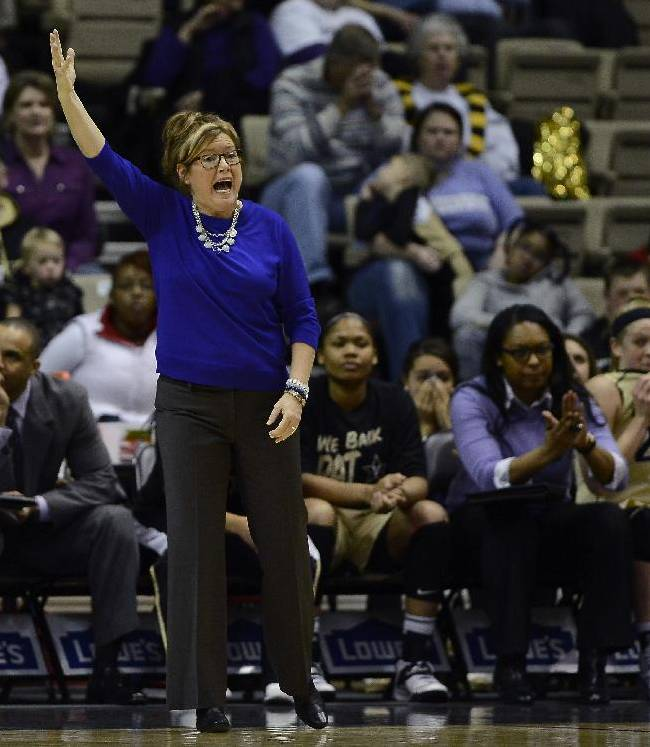 Vanderbilt head coach Melanie Balcomb yells in the second half of an NCAA college basketball game against South Carolina, Sunday, Jan. 26, 2014, in Nashville, Tenn. South Carolina won 61-57