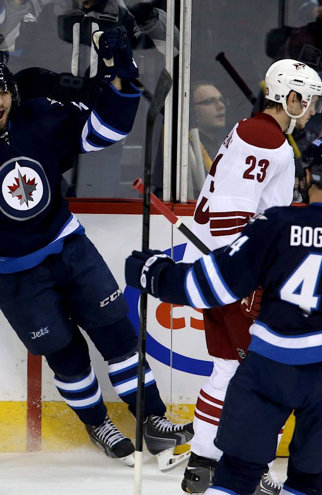 Jets snap skid in new coach Paul Maurice's debut