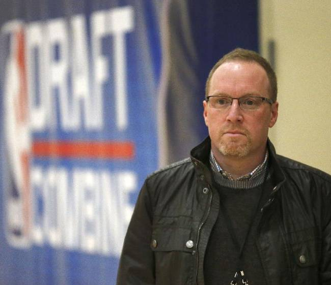 Cleveland Cavaliers general manager David Griffin watches participants at the 2014 NBA basketball draft combine Friday, May 16, 2014, in Chicago