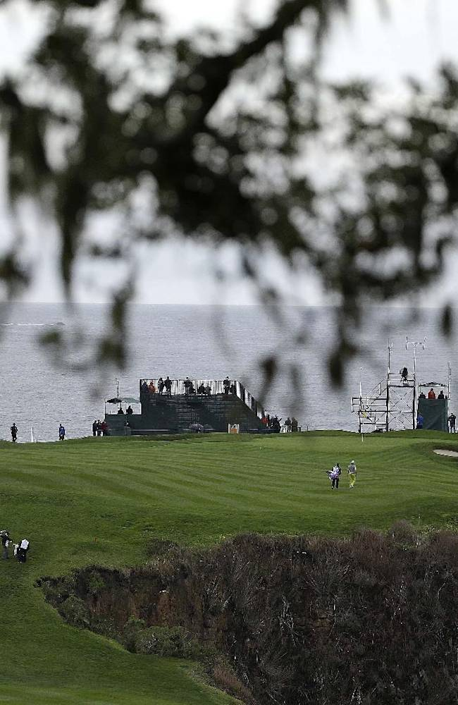 Wind halts play at Pebble Beach