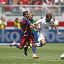 Manchester United's Juan Mata, right, dribbles as FC Barcelona's Pedro Rodriguez defends during an International Champions Cup soccer match at Levi's Stadium, Saturday, June 25, 2015, in Santa Clara, Calif. (Terrell Lloyd/AP Images for Releve