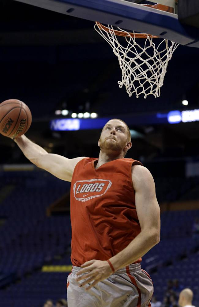 New Mexico center Alex Kirk declares for NBA draft