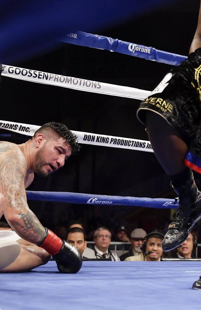 Stiverne stops Arreola to win WBC heavyweight belt