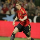 FILE - In tihs May 31, 2008, file photo, Spain's Fernando Torres controls the ball during a friendly soccer match against Peru at the Nuevo Colombino stadium in Huelva, Spain. Fernando Torres doesn't think the return of manager Jose Mourinho to Chelsea will affect his future with the Premier League side. (AP Photo/Paul White)
