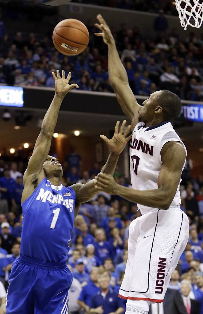 No. 21 UConn sweeps No. 19 Memphis with 72-53 win