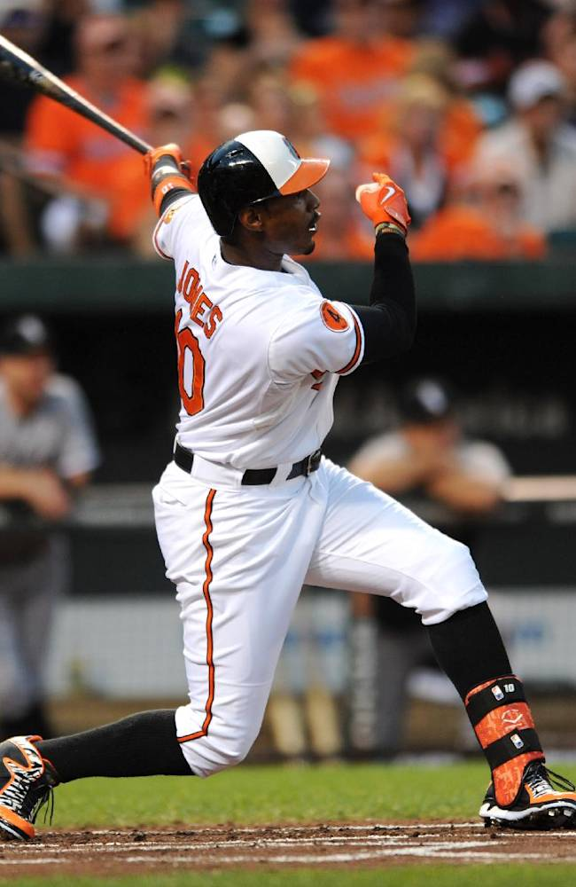 Orioles hit 3 HRs in 3-1 win over White Sox